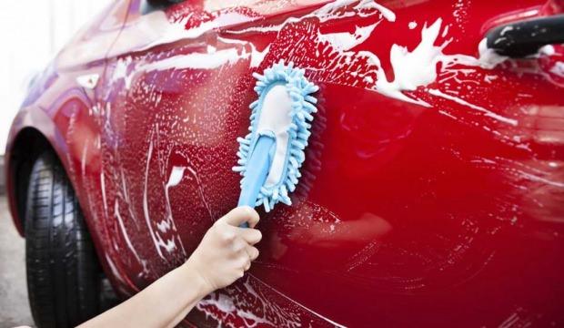 Arabanızda Kuş Pislikleri Temizleme