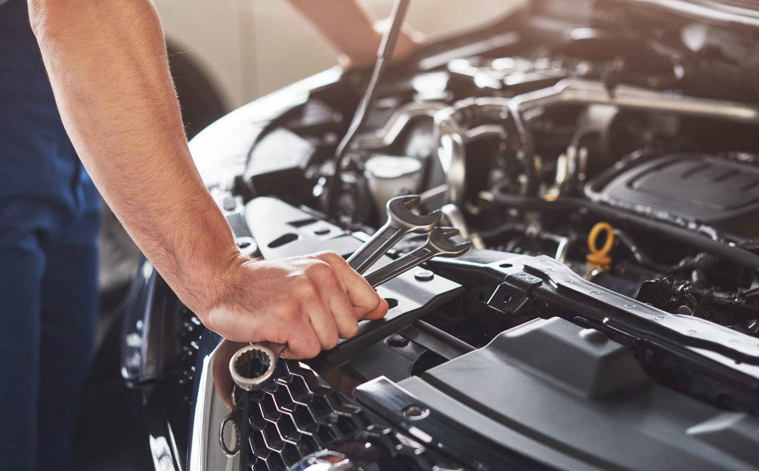 Araba kaç gün çalışmazsa akü biter?
